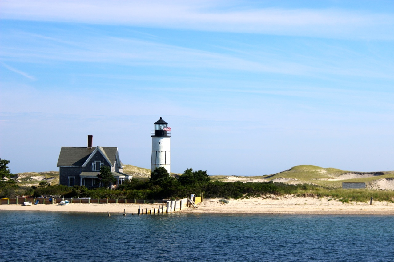 cape cod Visit cape cod, massachusetts for your next vacation getaway beautiful beaches, luxury hotels, waterfront dining, outdoor activities and island ferries.