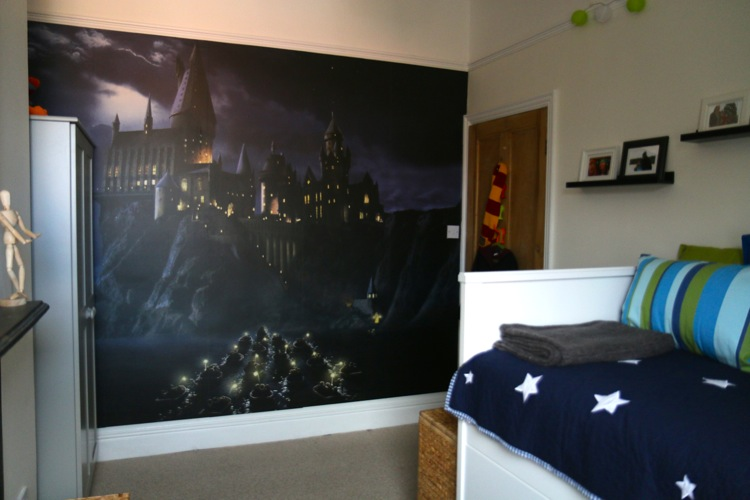 Flea 39 s harry potter bedroom makeover who 39 s the mummy for Decoration murale harry potter