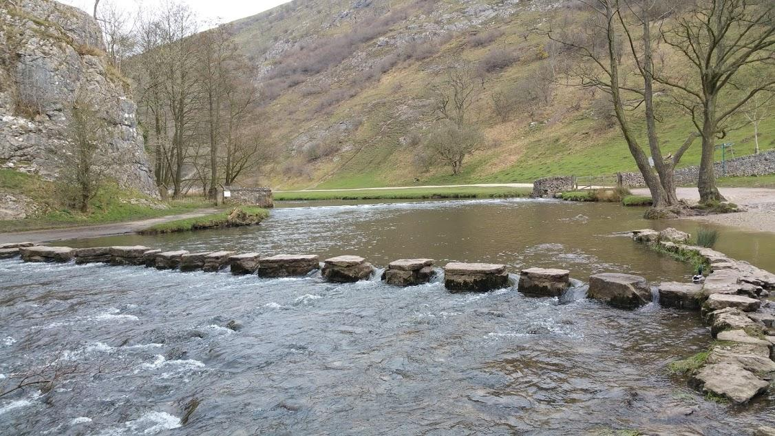 stepping stones river derbyshire